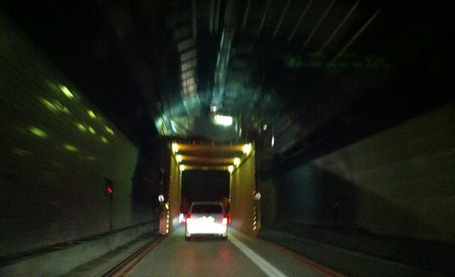 トンネルの中の工事1